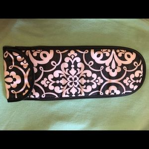 Thirty-one curling iron carrying case